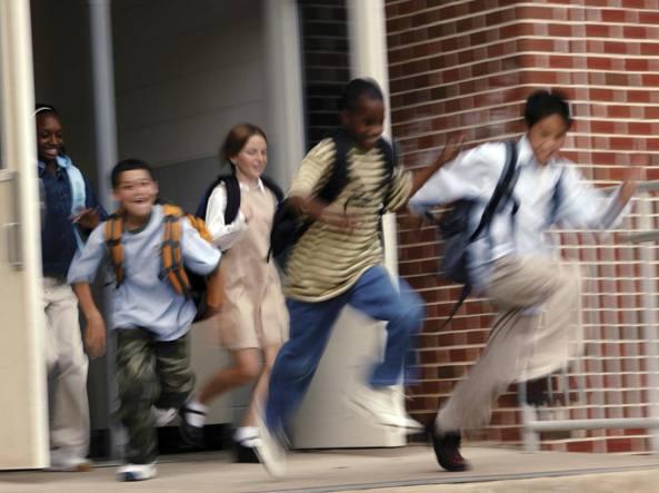 Ti sei comportato bene in classe? Esci da scuola dieci minuti prima
