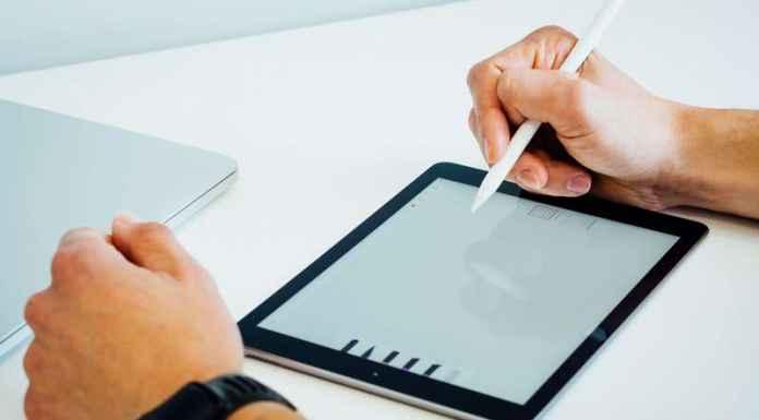 Libri scolastici digitali o meglio la carta?