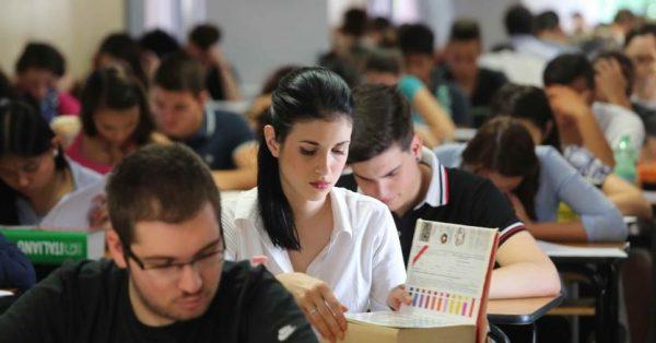 Scuola, un'ora di educazione alla cittadinanza: depositata la proposta di legge