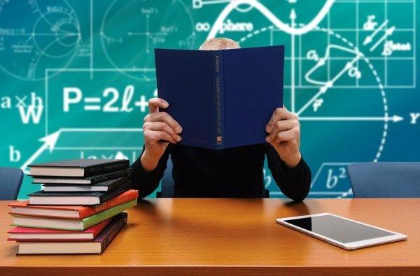Scuola: Confcommercio Terni denuncia vendita libri negli istituti